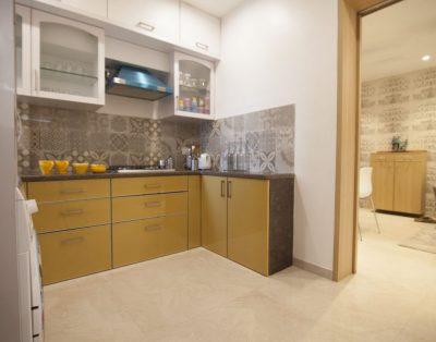 2 BHK Service Apartment in Santacruz