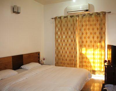 2 BHK Service Apartments in Kalyani Nagar Pune
