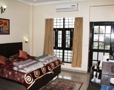 4 BHK Service Apartment Sector 28