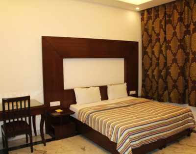 2 BHK Service Apartments in Safdar Jung