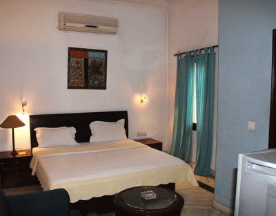 2 BHK Service Apartment in Safdar Jung