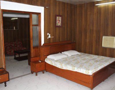 1 BHK Service Apartments in Jangpura