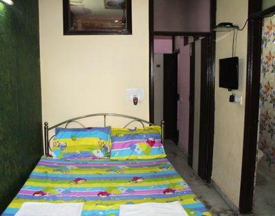 1 BHK Service Apartment in Rohini