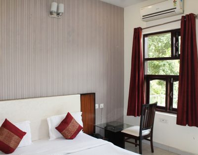 1 RK Serviced Apartment in DLF City Phase 2 Gurgaon