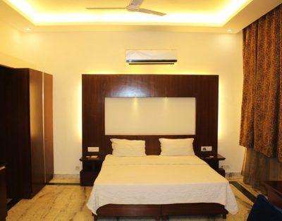 4 BHK Service Apartment in Safdar Jung