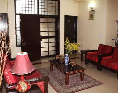 4 BHK Service Apartment in Sector 28
