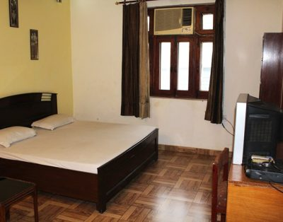 Studio Service Apartment in Jangpura