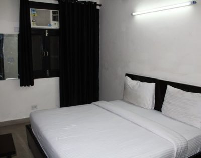 1 RK Service Apartments in Sarita Vihar