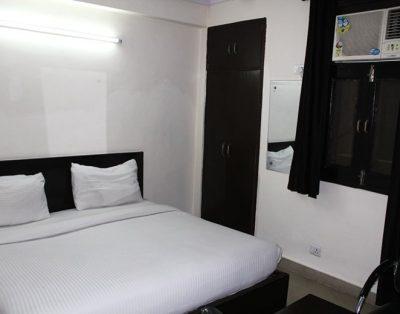 1 RK Service Apartment in Sarita Vihar