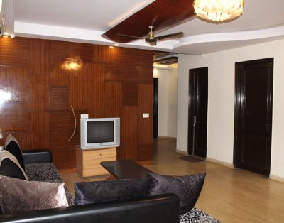 3 BHK Service Apartment in Ramesh Nagar