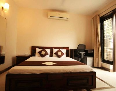 Service Apartments in DLF Phase 2 Cybercity