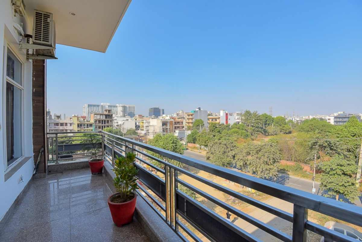 2 BHK Service Apartment near Medanta Hospital Gurugram